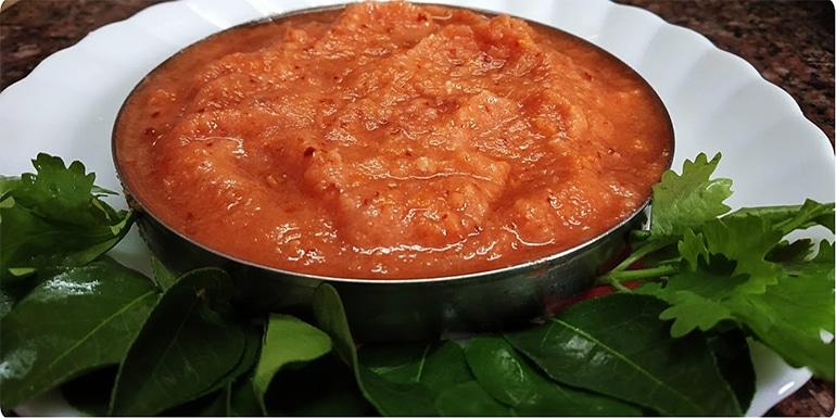 Raw Onion Tomato Chutney Recipe