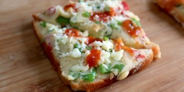 veg bread pizza