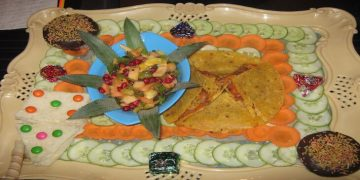 Quesadilla with fruit salsa